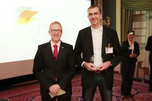 Preisverleihung des iTeam-Systemhauspreises 2013 an Michael Hollmann, Geschäftsführer der Hollmann IT